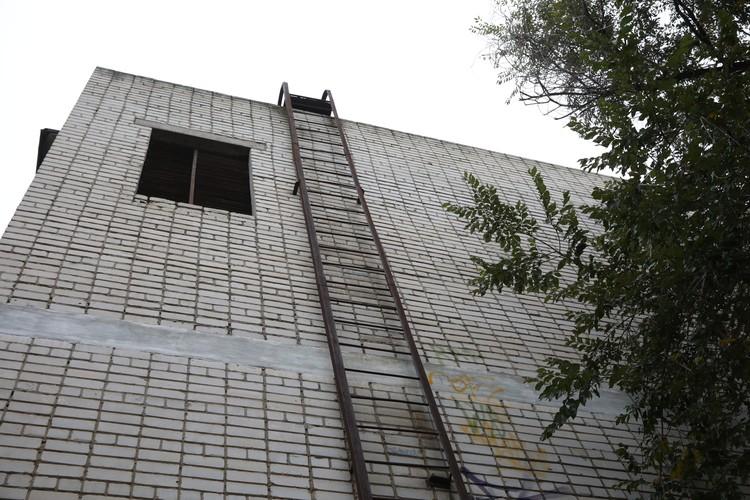 Зданию 44 года. Фото: мэрия Волгограда.