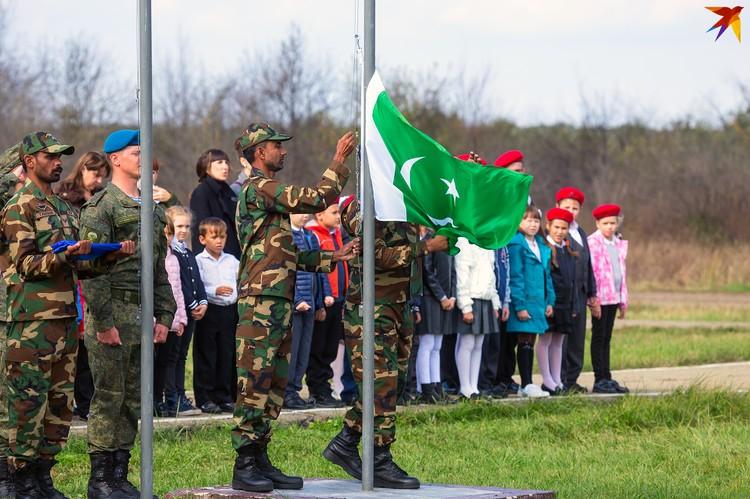 В один из дней учений пакистанские военные поучаствовали в присяге юнармейцев