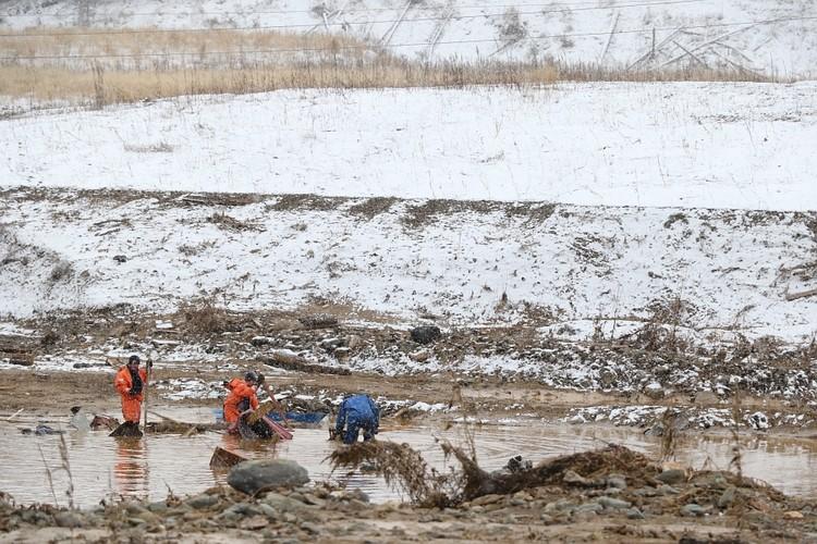 Во время поисково-спасательных работ планируют применить технику золотодобывающего предприятия Фото: ГУ МЧС по Красноярскоум краю