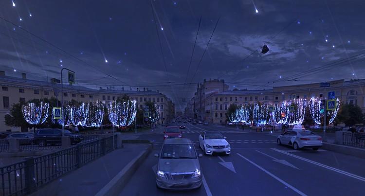Нарядные деревья на Семеновской площади. Фото: предоставлено Комитетом по печати и взаимодействию со СМИ.