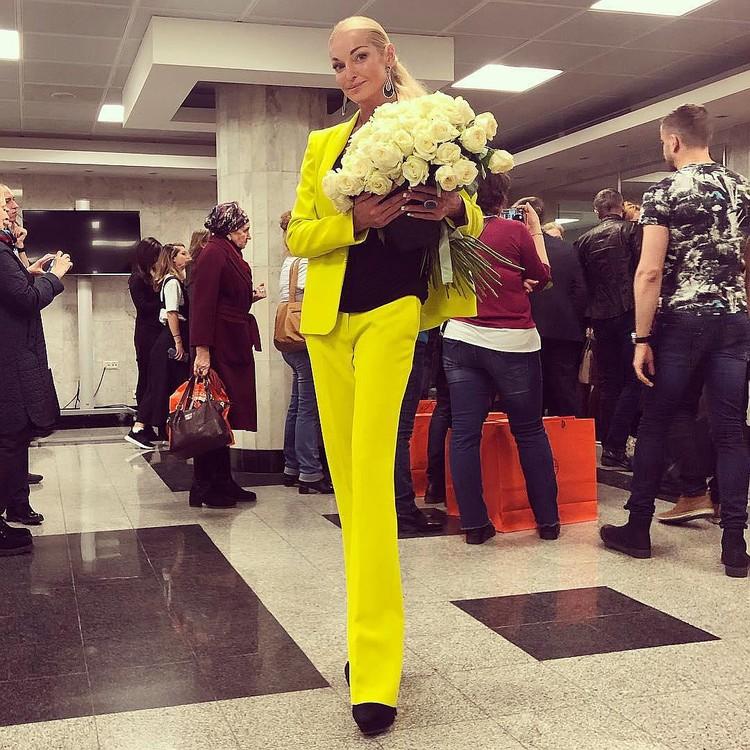 Будет на концерте и Анастасия Волочкова. На кремлевском концерте Примадонны балерина села на шпагат. Что мешает ей повторить трюк в Минске. Фото: Инстаграм