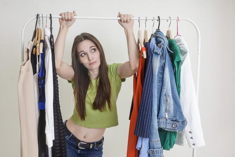Одежды много, а счастья в жизни нет