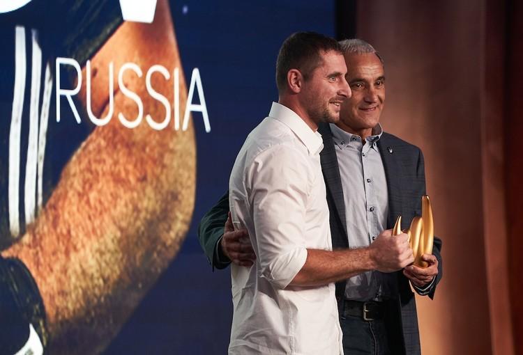 Чужков уже вошел в историю. Он первый россиянин, который стал лучшим вратарем на планете в пляжном футболе. Фото: BSRussia.com.