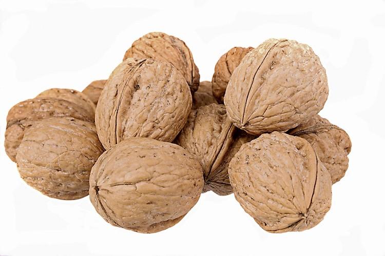 Орехи содержат полезные ненасыщенные жирные кислоты, помогающие организму сохранять тепло даже в холода.