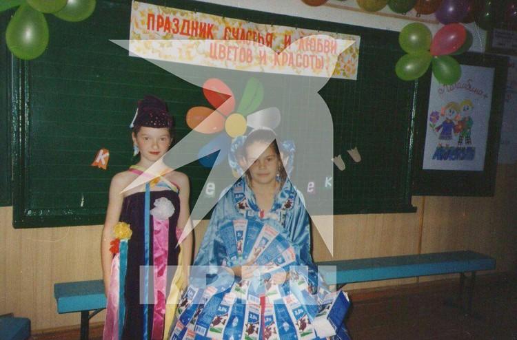 Настя всегда участвовала со всех школьных праздниках