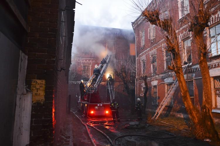 Огонь повредил 100 кв. метров помещения Фото: пресс-служба администрации Твери