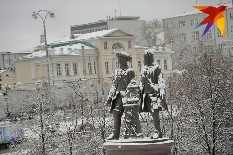 На случай слишком обильных снегопадов дополнительную уборочную технику город берет в аренду.