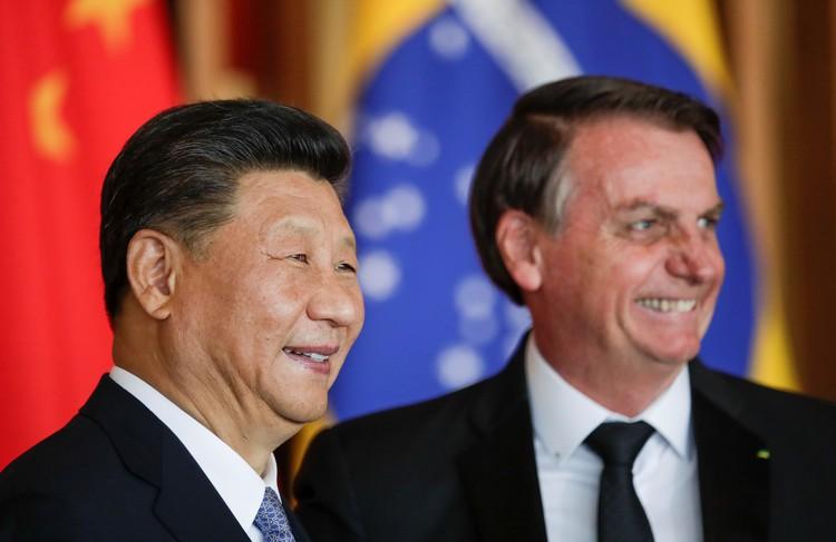 Си Цзиньпин и хозяин саммита, президент Бразилии Жаир Болсонару