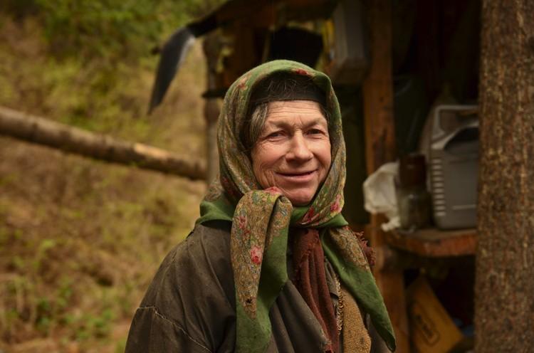 Несмотря на нелегкую жизнь, Агафья Лыкова не разучилась улыбаться.