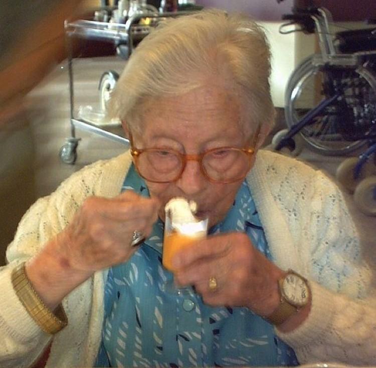 Хендрикье ван Андел-Шиппер (Hendrikje van Andel-Schipper) — одна из немногих, сверхдолгожительниц, которая вела здоровый образ жизни. Любила йогурт.
