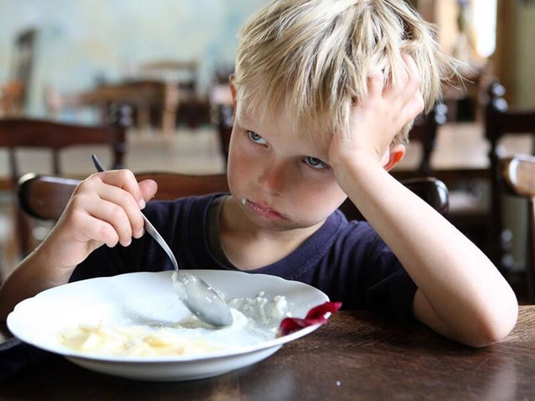 Заставлять ребенка доедать все до последней ложки - ошибка. Даже если ребенок всегда ест не очень хорошо. Фото:pixaby.com