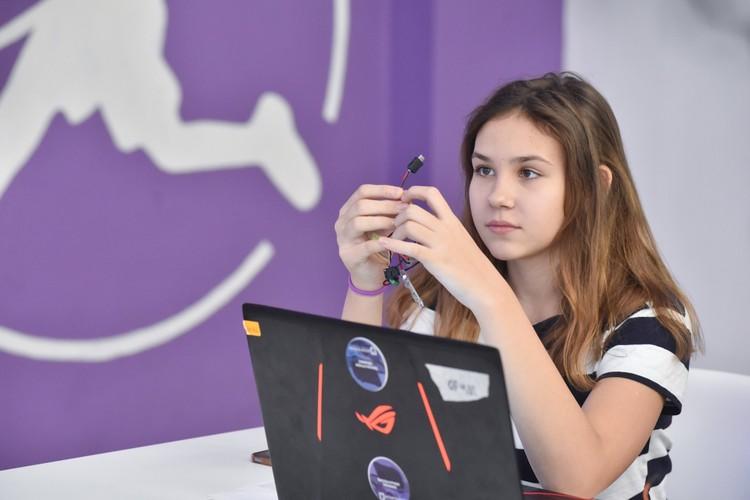 В России созданы даже детские технопарки, в которых под наставничеством взрослых школьники создают свои открытия.