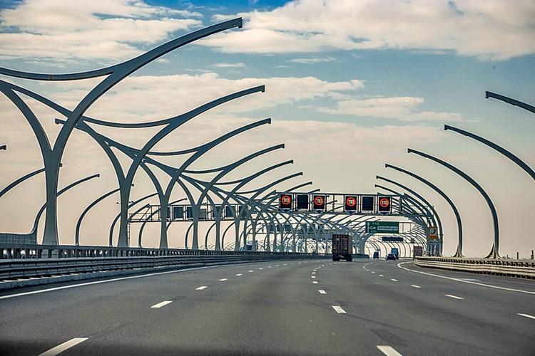 Как известно, дороги – это общероссийская проблема, о которой говорят с незапамятных времен. Однако в последние годы в решении этого вопроса наметился определенный прогресс.
