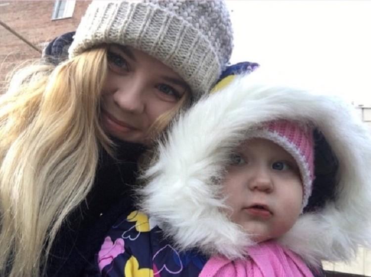 Малышка Ульяна еще не понимает, что ее мама местная знаменитость. Фото: предоставлено героиней публикации