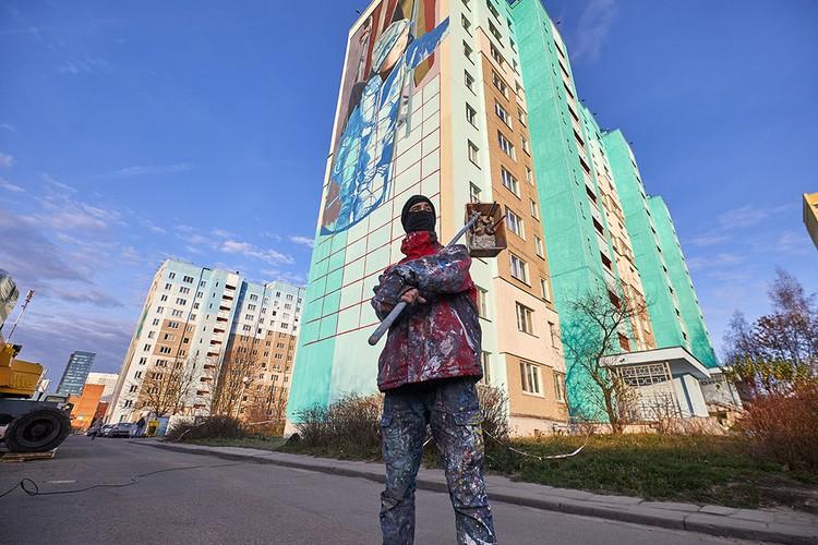 Над граффити работают испанские художники Slim и Jofre Oliveras