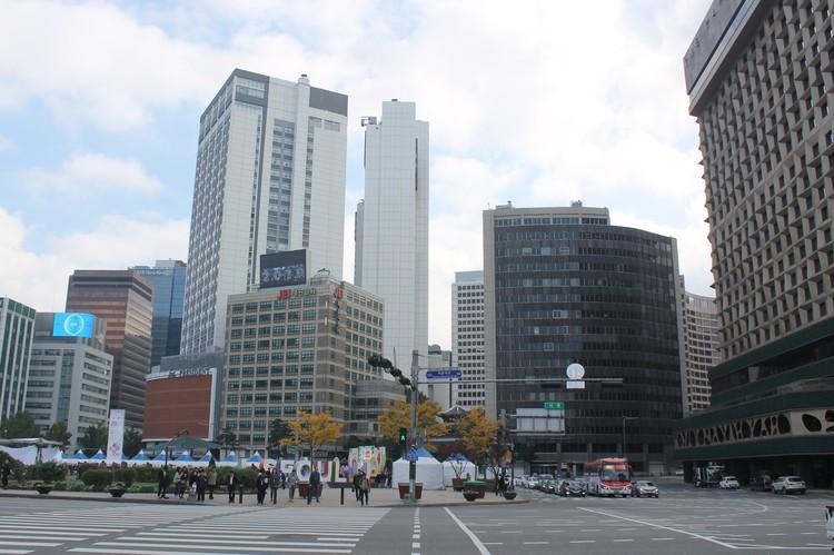 Современный Сеул корейцы создали примерно за 30 лет