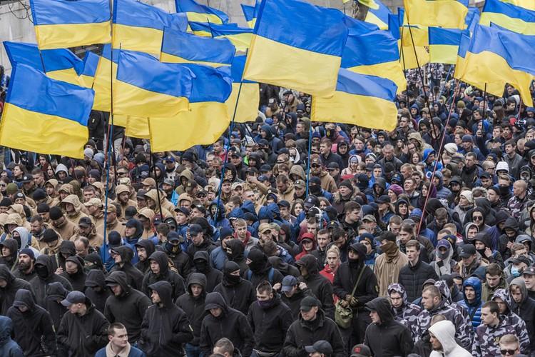Украинцев призвали вновь выйти на майдан 8 декабря.