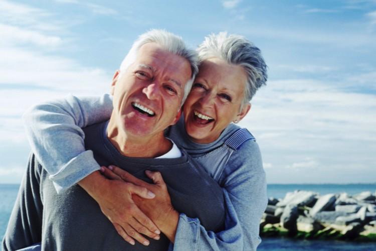 60 лет исполнилось? Пора на пенсию - научный факт. А после 78 лет - вообще грех работать. Белки уже не те.