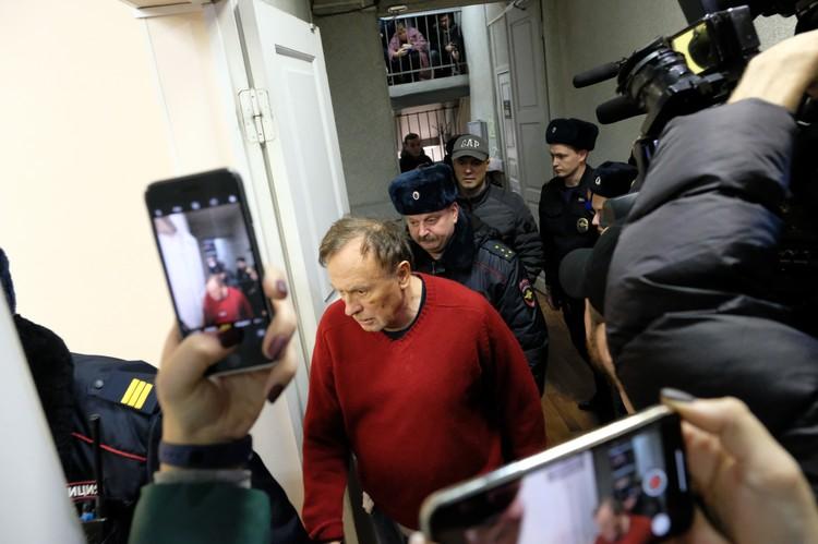 В случае, если психиатрическая экспертиза признает его вменяемым, Олегу Соколову может грозить от шести до пятнадцати лет тюрьмы.
