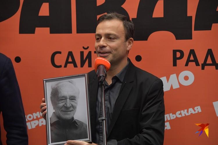 """Журналист """"Спорт-Экспресс"""", автор многих книг Игорь Рабинер получил приз Льва Филатова"""