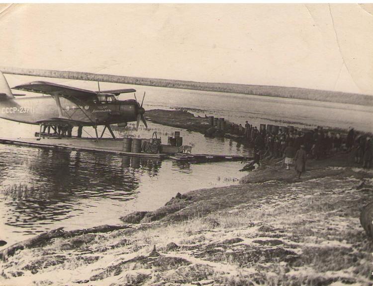 Самолет на озере Ессей. Фото: Краеведческий музей Эвенкии