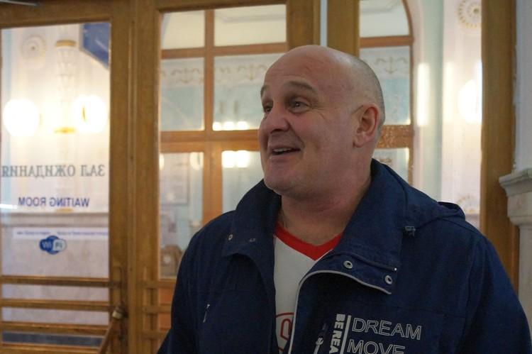 Заслуженный артист РФ Алексей Огурцов считает, что только в плацкарте можно почувствовать атмосферу поезда