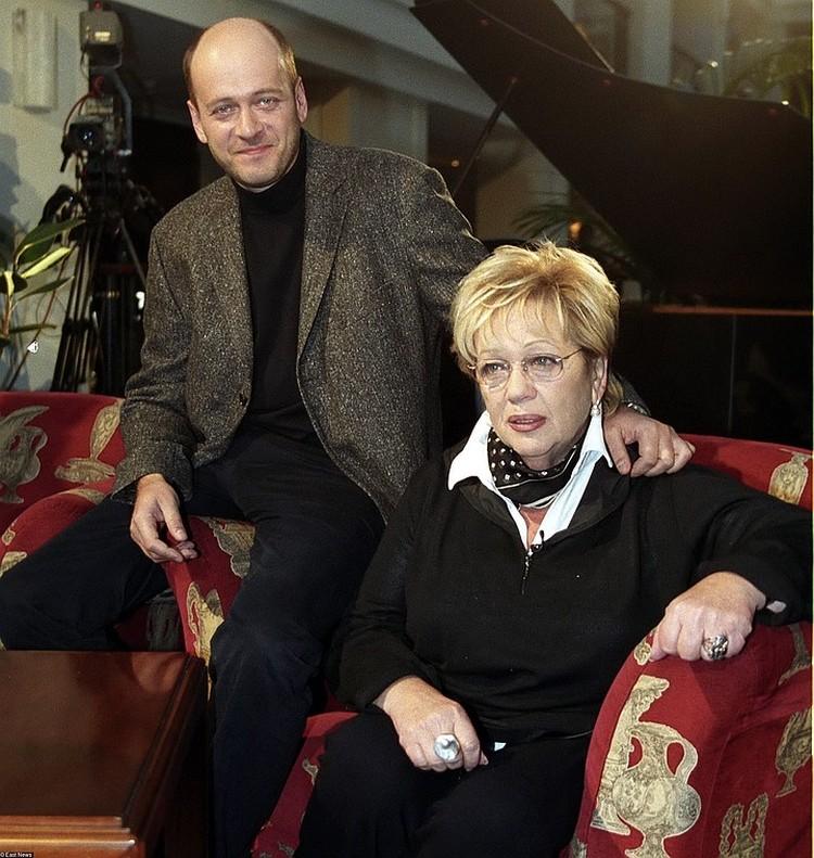 Галина Волчек и ее единственный сын Денис Евстигнеев