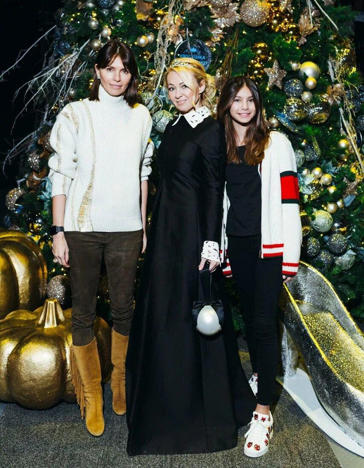 Юная модель, покорившая мировые подиумы, Алиса Брострем пришла на «Золушку» со своей мамой Анной