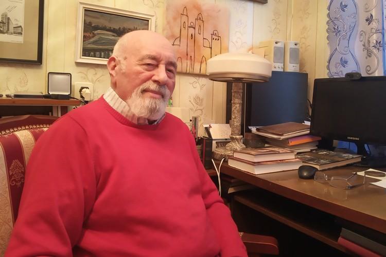 Наум Синдаловский.