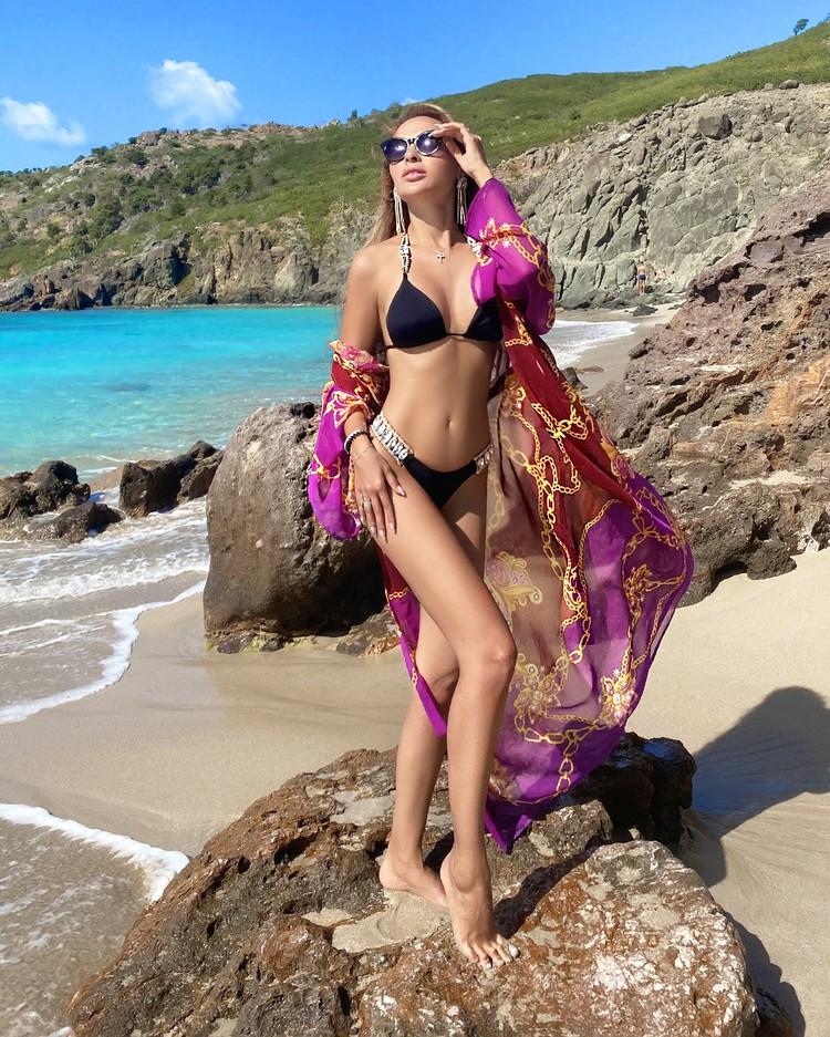 Певица и бывшая невеста Прохора Шаляпина проводит каникулы на самом дорогом курорте