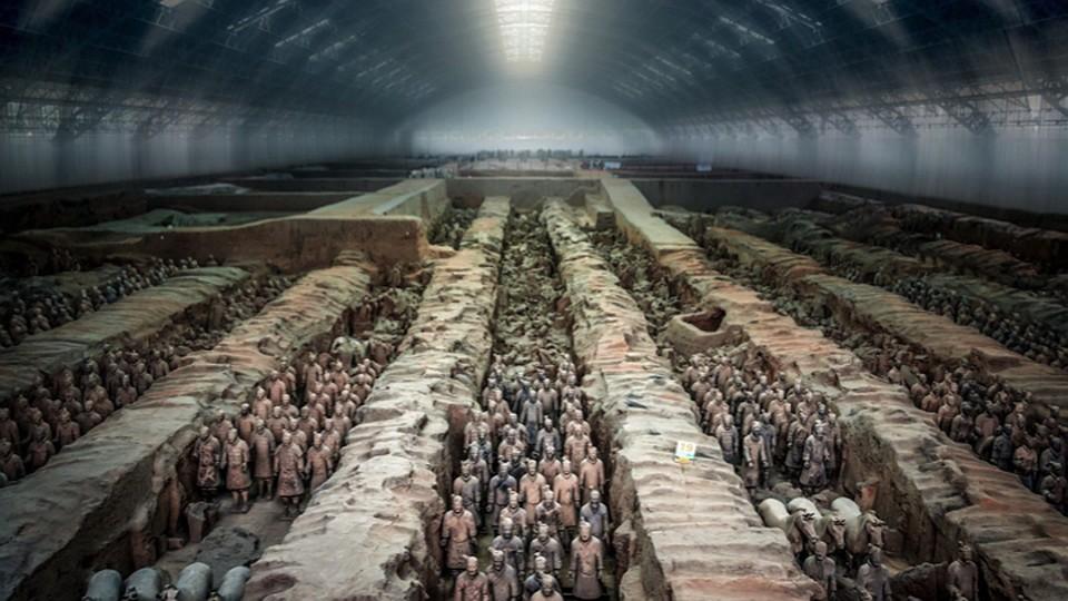 На месте расположения терракотовой армии устроен музей.