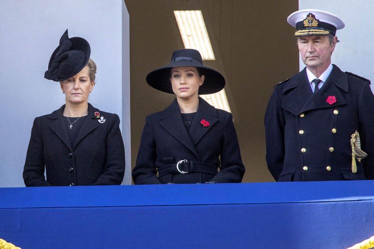 Меган больше не придется исполнять скучные обязанности при королевском дворе.