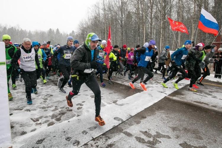 В марафоне «Дорога Жизни» приняли участие спортсмены из 16 стран, 46 регионов и 223 городов России. Фото предоставлено пресс-службой администрации Ленинградской области.