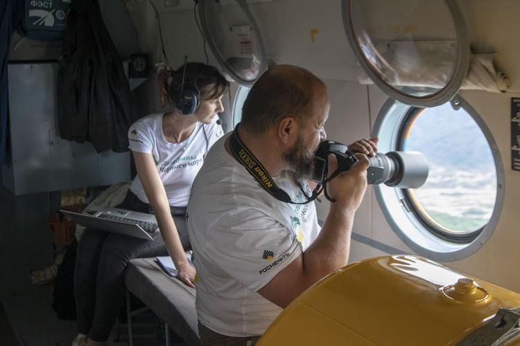 Исследования проводились на воде, в небе и на земле. Фото : пресс-служба Роснефти.