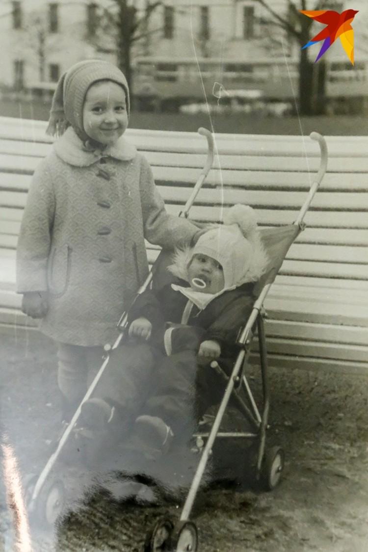 Оля с детства смотрела за младшей сестрой
