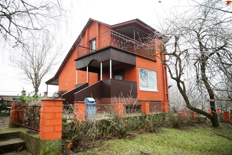 Дом семьи Празецких полностью перекрасили к съемкам еще в 2017 году.