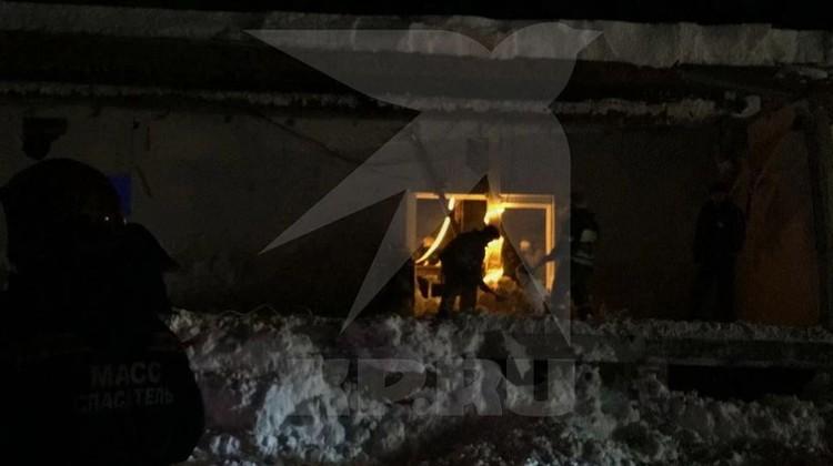 Рухнувшее здание было пристройкой. Фото: предоставлено очевидцами.