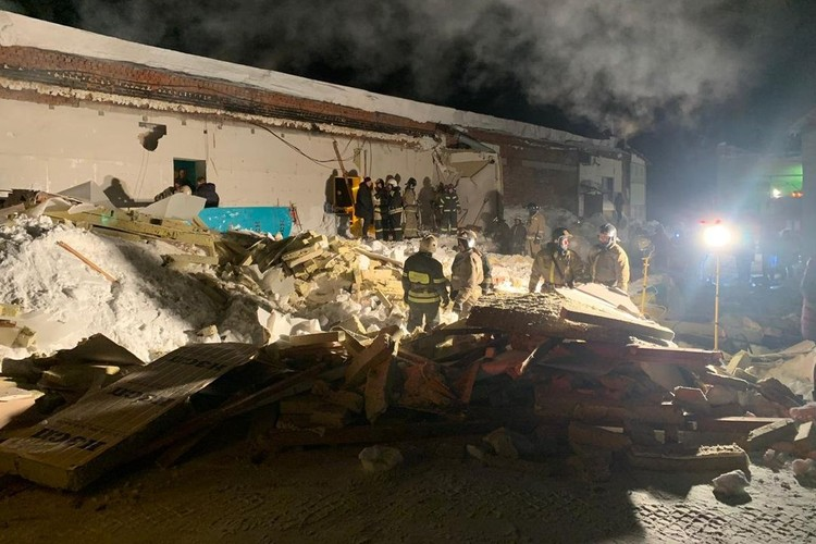 На месте работали скорая и спасатели. Фото: ГУ МЧС России по Новосибирской области.