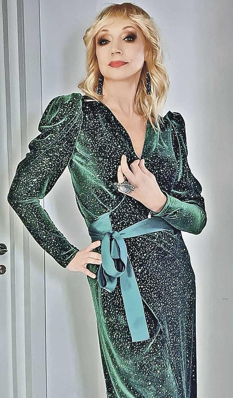 Кристина Орбакайте в платье Rhea Costa за 175 тысяч рублей.