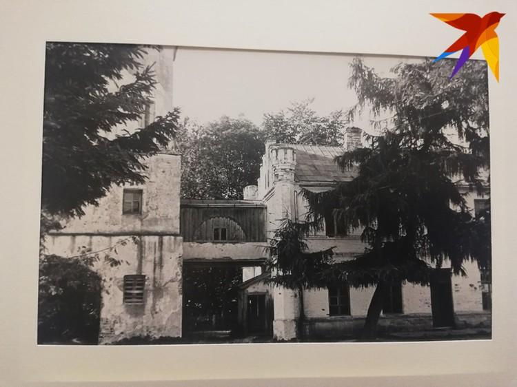 По этим фото можно изучать историю деревни.
