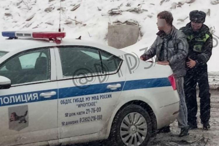 """Задержание сбежавшего водителя. Фото: группа """"ДТП 38RUS""""."""
