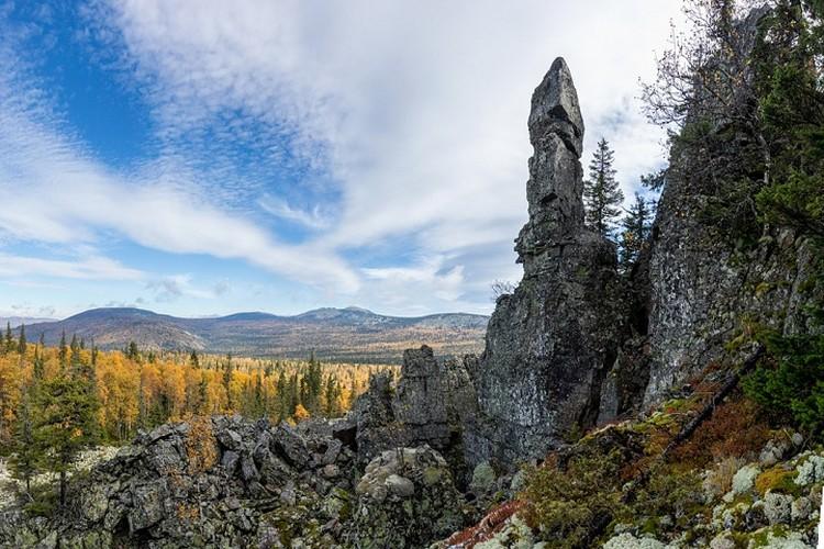 Амбассадор Уральских гор смог сделать фото у подножия легендарной горы. Фото: Олег Чегодаев