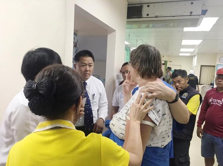 Пострадавших опросили медики, полиция и чиновники Фото: Eakkapop Thongtub, The Phuket News