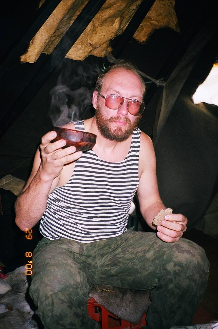 День рождения в чуме. Фото из архива Павла Ситникова