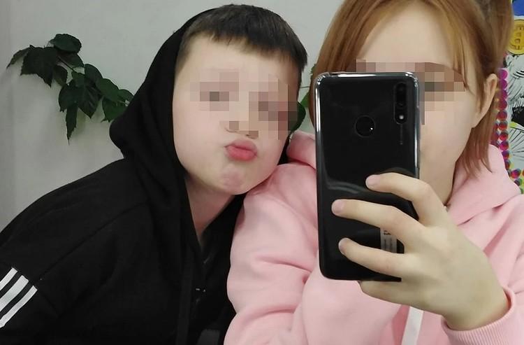 Выглядите, как брат с сестрой, хмыкают подписчики. Фото: соцсети.