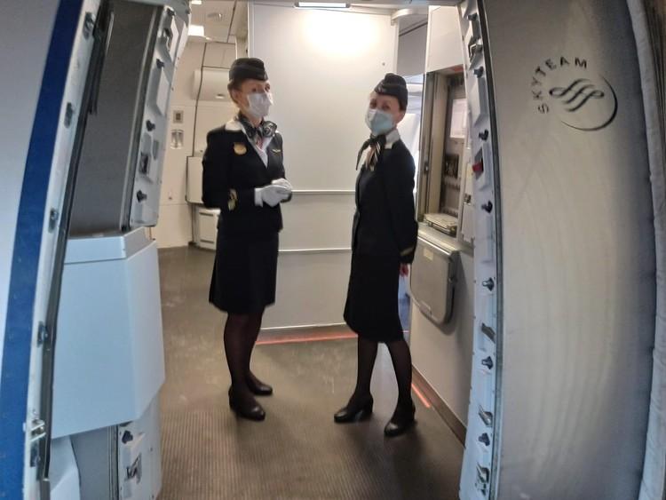 В униформе стюардесс - дополнение.