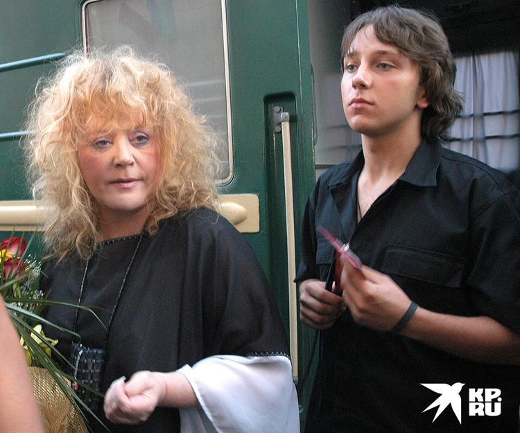 Алла Пугачева и певец Майк Мироненко, июль 2006 года.