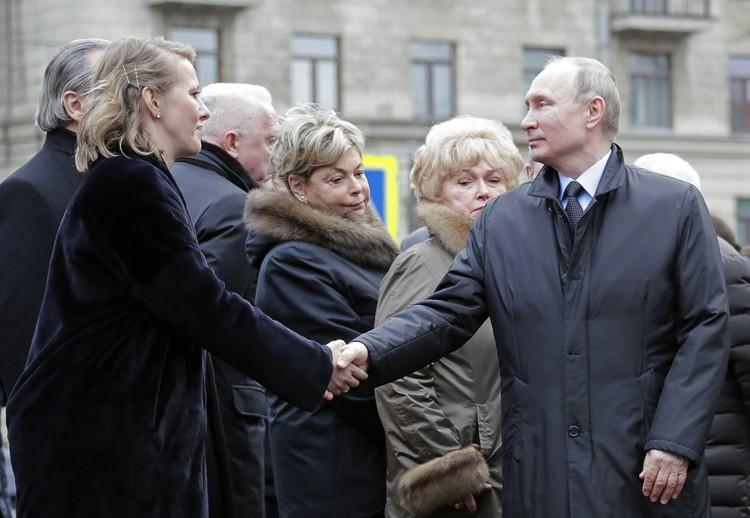 Владимир Путин и Ксения Собчак. Фото: Михаил Метцель/ТАСС