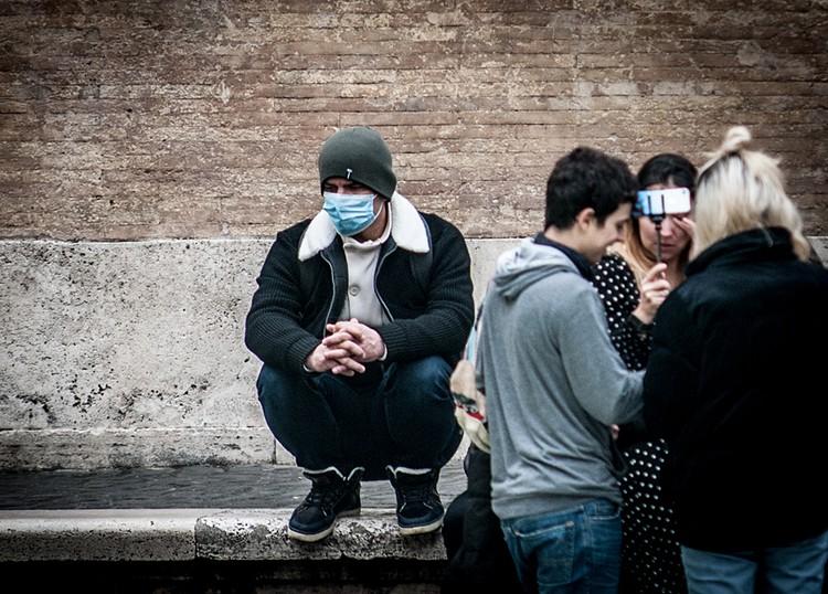 Италия вышла на третье место в мире по числу зараженных