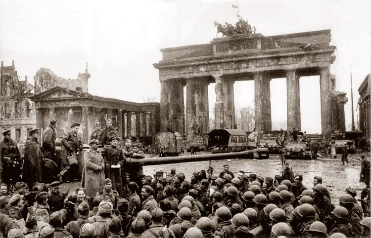 Символ Берлина - Бранденбургские ворота. Фото Е.Халдей ВКИКМЗ